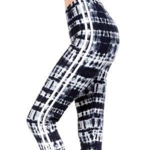 Pants - Black and White Print Leggings